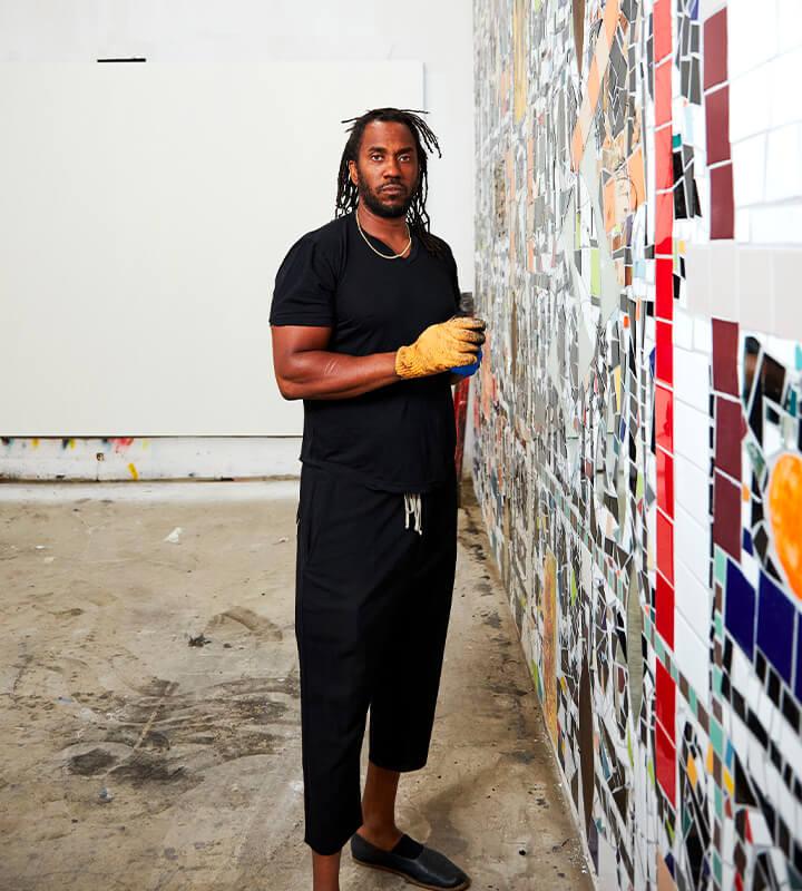 Chaque année, Reiffers Art Initiatives propose à une figure majeure de l'art contemporain de devenir le mentor d'un(e) artiste émergent(e) de la scène française.